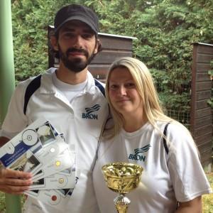 Marie et Nico avec les récompenses du club
